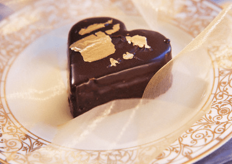 edible gold on chocolate heart Luxurious Garnish: Edible Gold - EAT LOVE SAVOR International luxury lifestyle magazine and bookazines