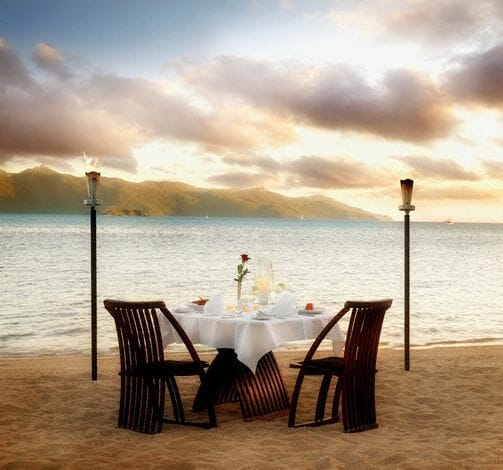 romantic setting table for two on beach Recipe Box: Romantic Meal for Two - EAT LOVE SAVOR International Luxury Lifestyle Magazine
