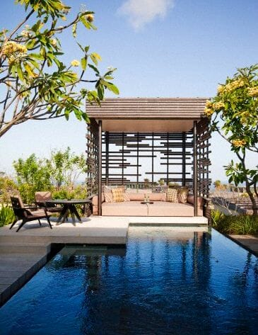 luxury outdoor sitting area Discover Outdoor Living Spaces - EAT LOVE SAVOR International luxury lifestyle magazine and bookazines