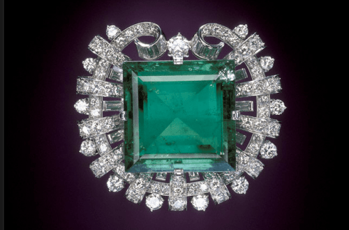 hooker emerald brooche Discover: Emeralds: a Rare and Luxurious Gem - EAT LOVE SAVOR International luxury lifestyle magazine, bookazines & luxury community