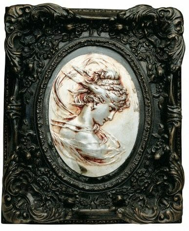 antique picture frame Discover: Picture Frames - EAT LOVE SAVOR International luxury lifestyle magazine, bookazines & luxury community