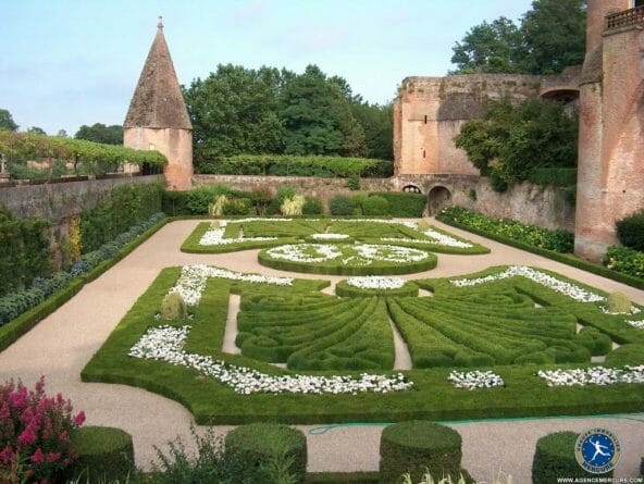 Castle france for sale IM3682 hr How To Buy a Castle in France - EAT LOVE SAVOR International luxury lifestyle magazine and bookazines