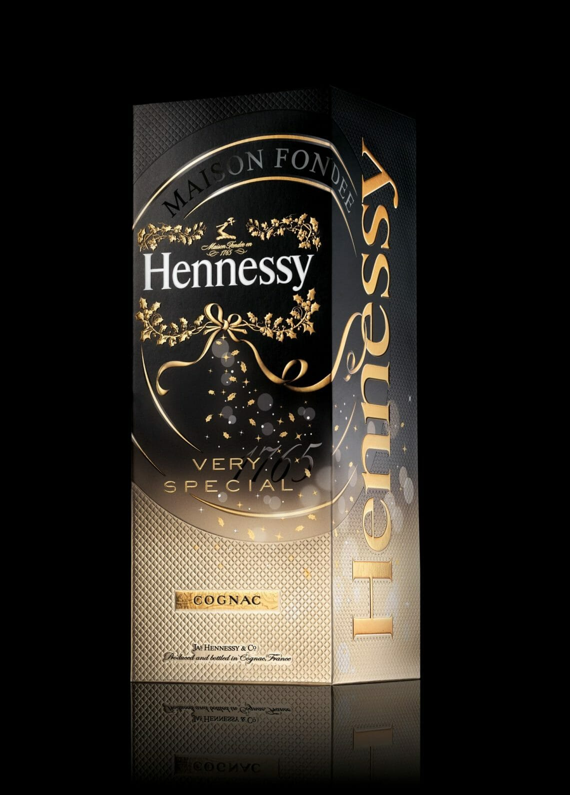GIFT BOX FD NOIR RVB Hennessy Very Special Gift Packs Created by ButterflyCannon - EAT LOVE SAVOR International Luxury Lifestyle Magazine