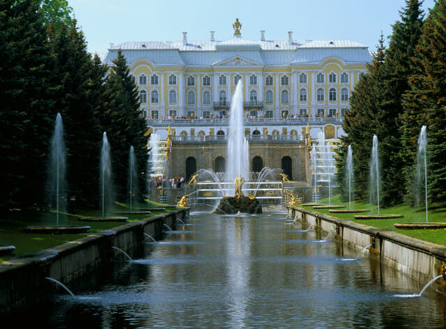fountains grand cascade russia Discover Worldly Opulence and Hidden Gems of Luxurious Russia with our Editor at Large - EAT LOVE SAVOR International luxury lifestyle magazine, bookazines & luxury community