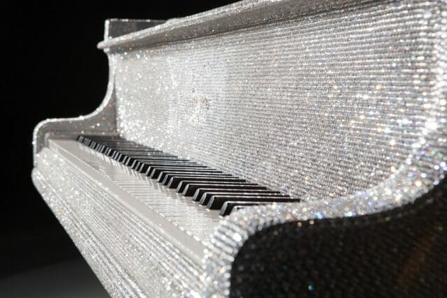 goldfinch crystal piano