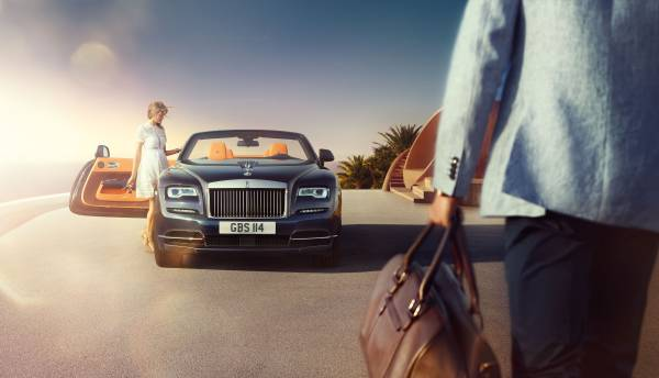 Rolls Royce Dawn couple