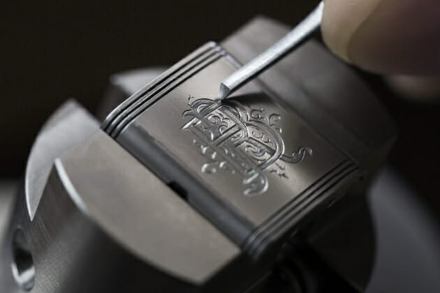 engraving_on_a_jaeger-lecoultre_reverso_classic_watchcjohannsauty