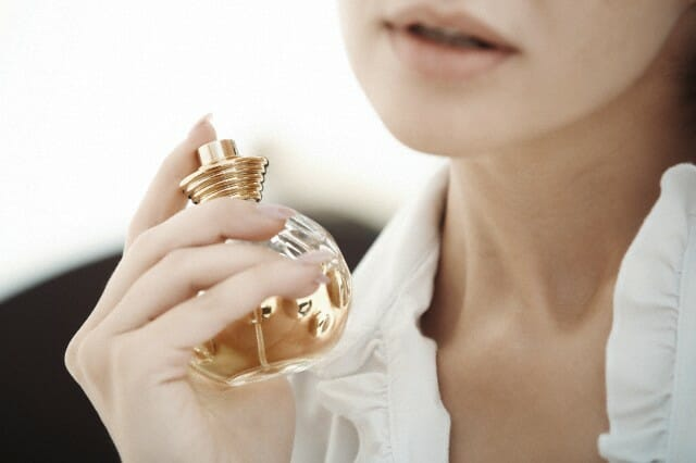woman and perfume How to Match Perfume to Your Style - EAT LOVE SAVOR International Luxury Lifestyle Magazine