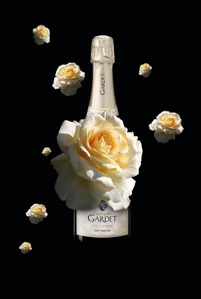 champagne gardet with roses