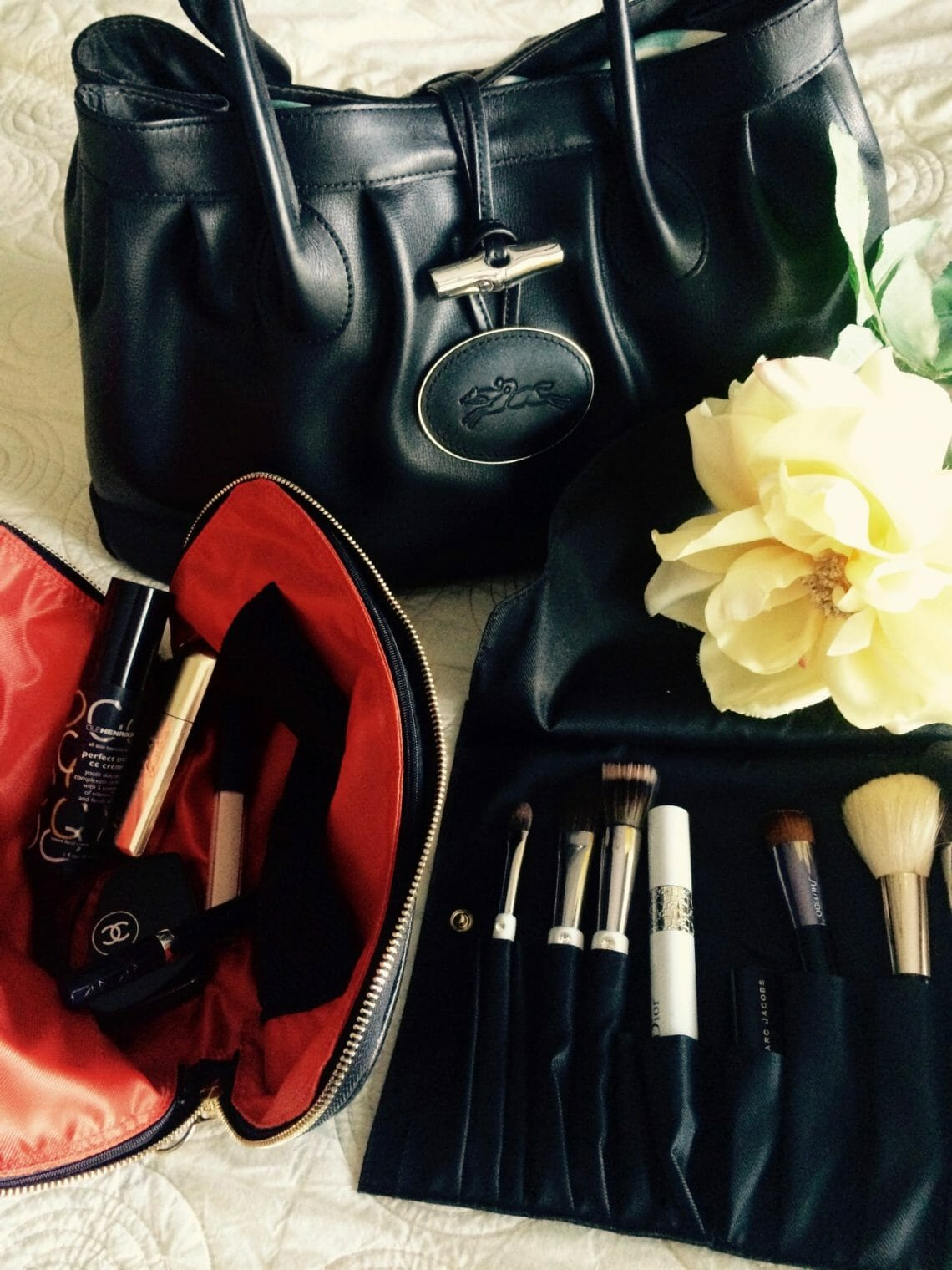 Kusshi makeup bag and brush holder Little Luxuries: Kusshi Improves the Makeup Bag - EAT LOVE SAVOR International luxury lifestyle magazine and bookazines