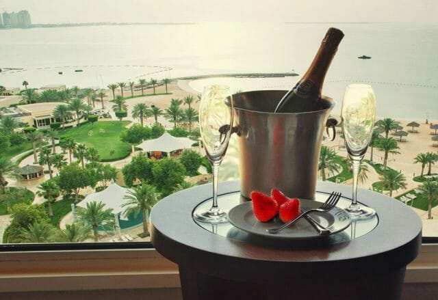 intercontinental-champagne-bucket-with-view