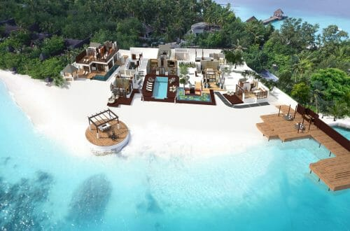 RR Aerial View Jumeirah Vittaveli Unveils 5-Bedroom Royal Residence - EAT LOVE SAVOR International luxury lifestyle magazine, bookazines & luxury community