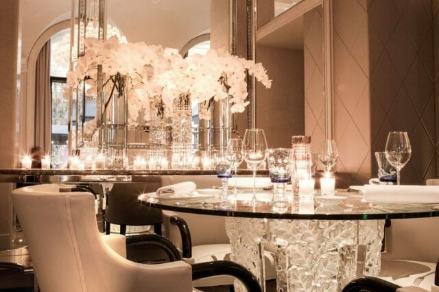 Restaurant Le George V Lalique detail verre ©Eddy Briere HD preview LALIQUE Interior Design Studio Bespoke Luxury Architectural Projects in Tokyo and Paris - EAT LOVE SAVOR International Luxury Lifestyle Magazine