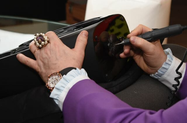 Elton John signature MUSIC IS LOVE HEART lost wax unique piece purple crystal image9©Michael KovacLalique 2018 One-Of-A-Kind LALIQUE Crystal Piece Raises $ 80,000 USD At Elton John Academy Awards Viewing Party - EAT LOVE SAVOR International luxury lifestyle magazine, bookazines & luxury community