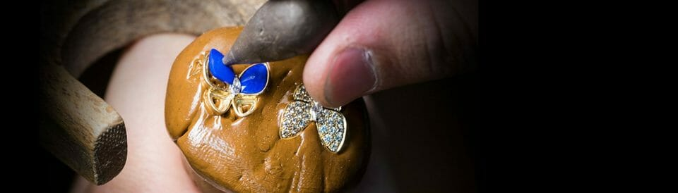 van cleef arpels lapis being created SAVOIR FAIRE 02.jpg.adapt .2800.800 Beautiful Things: Van Cleef & Arpels Fine Jewelry Two Butterfly Collection - EAT LOVE SAVOR International luxury lifestyle magazine, bookazines & luxury community