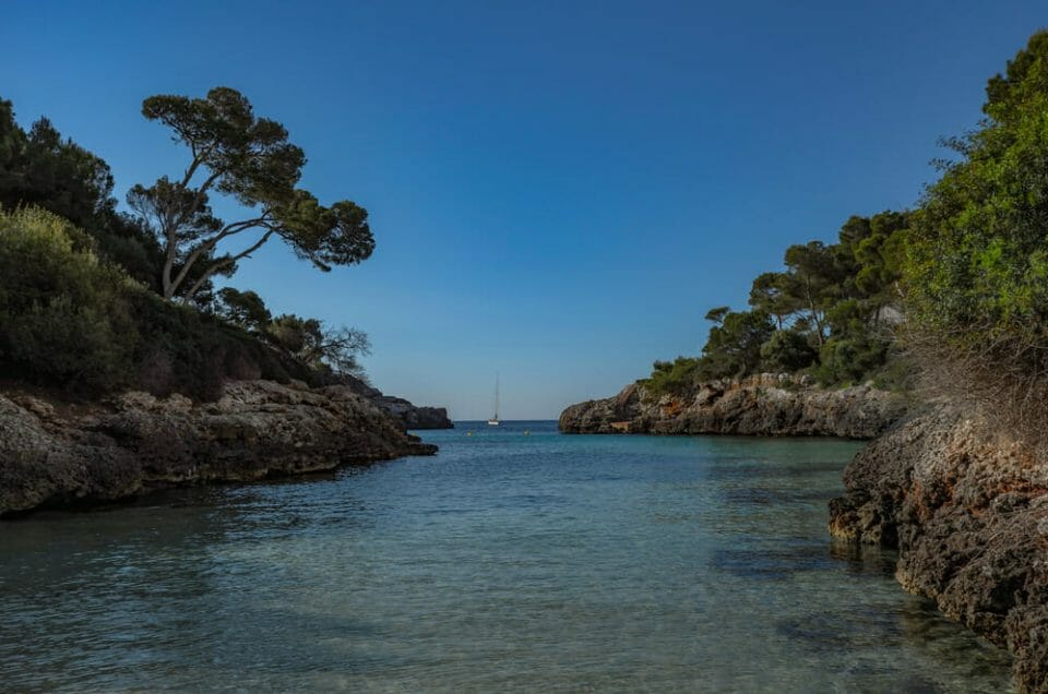 Things to do in Spain Bliss out in the Bay of Gold Five Of The Best Things To Do In Spain This Autumn 2019 - EAT LOVE SAVOR International Luxury Lifestyle Magazine