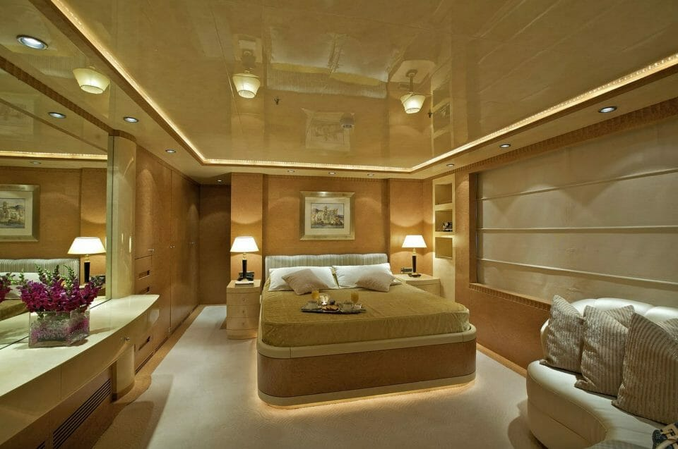 yachting tales oneiro Discover: Yachting Tales - Experiences Beyond the Ordinary - EAT LOVE SAVOR International luxury lifestyle magazine, bookazines & luxury community