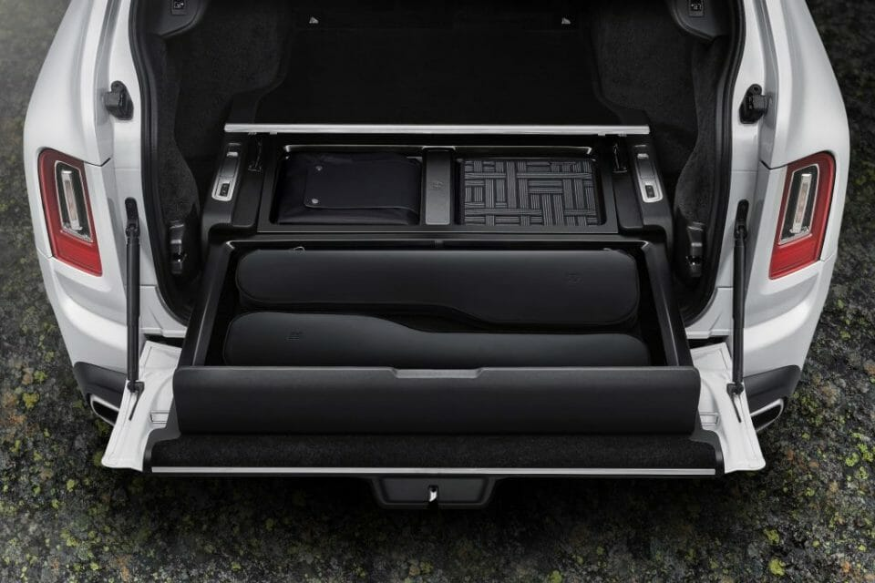 """P90410074 lowRes rolls royce launches Discover the Rolls-Royce Accessory """"The Pursuit Seat"""" - EAT LOVE SAVOR International luxury lifestyle magazine and bookazines"""