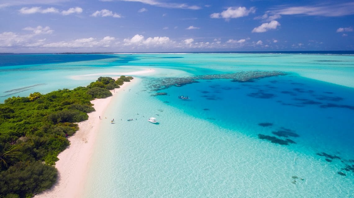 Maldives Discovering Paradise and a pampering yacht charter vacation in Maldives - EAT LOVE SAVOR International luxury lifestyle magazine, bookazines & luxury community