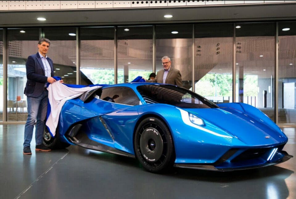 """fulminea 1 Fulminea: The art of building """"extreme"""" electric cars, infused with beauty and cutting edge technology - EAT LOVE SAVOR International Luxury Lifestyle Magazine"""