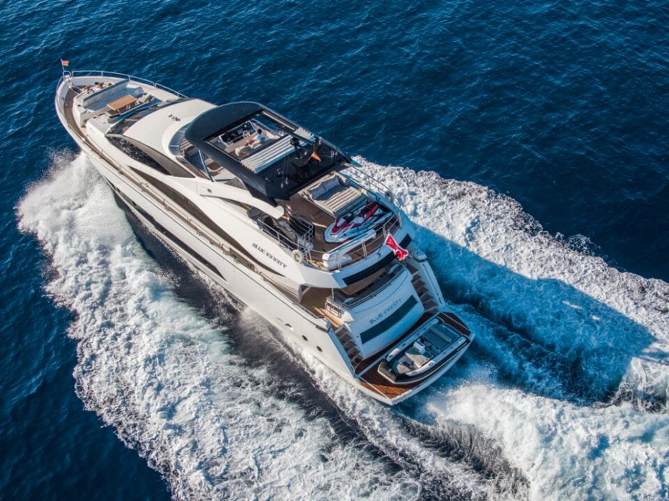 meros yacht Blue Infinity 4 Pioneering new co-ownership platform, Meros, launches to bring Sunseeker ownership to an emerging new market of sharing economy customers - EAT LOVE SAVOR International Luxury Lifestyle Magazine