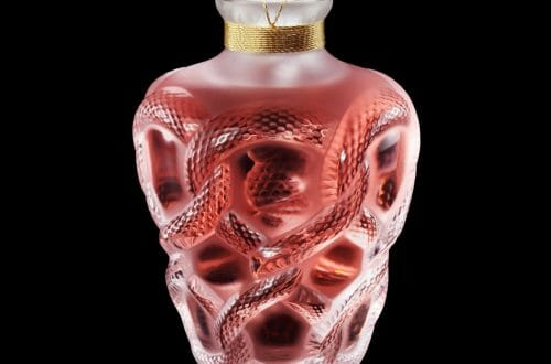 B21116 2018 Limited Edition Seduction with background and reflet 300 dpi Discover LALIQUE's 2018 Séduction Limited Edition Crystal Perfume Bottle - EAT LOVE SAVOR International luxury lifestyle magazine and bookazines