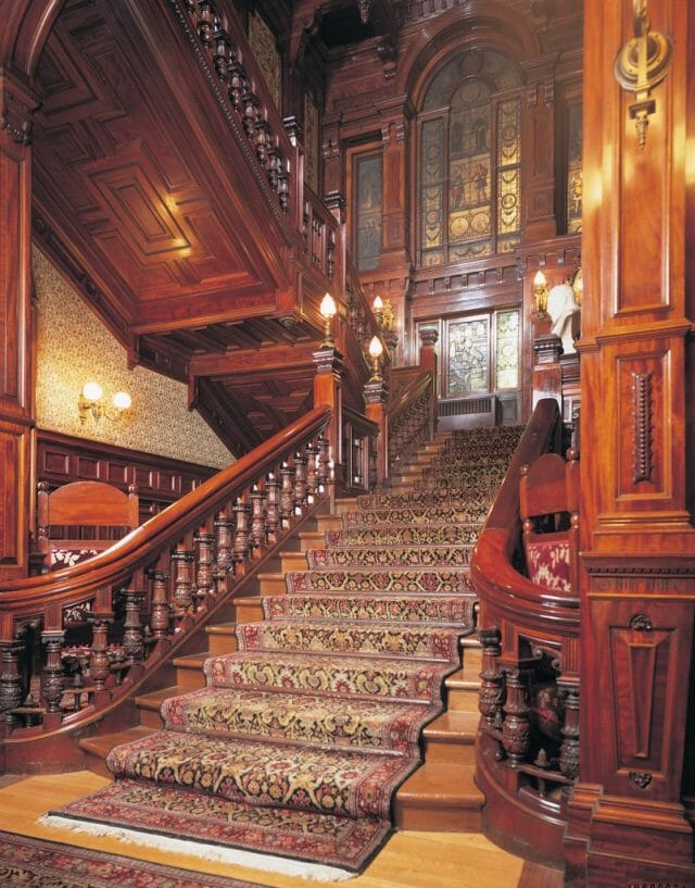 MSC escalier A Rich Heritage Reborn in a New Light: Le Mount Stephen A Jewel of a Luxury Hotel in Montreal - EAT LOVE SAVOR International luxury lifestyle magazine and bookazines